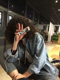 Discovered by 니콜♛. Find images and videos about girl, fashion and style on We Heart It - the app to get lost in what you love. Cabelo Natural 3c, Black Girl Magic, Black Girls, Hair Inspo, Hair Inspiration, Curly Hair Styles, Natural Hair Styles, Curly Girl, Hair Goals