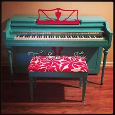 My painted piano :)