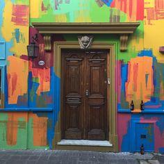 """48 Likes, 3 Comments - Eloisa Devito (@artederuaelo) on Instagram: """"Minha fixação por portas se agravou muito aqui ! Love doors ❣️❣️ #Artederuaelo #artederua…"""""""