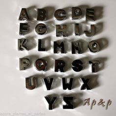 1 PERLE METAL - ARGENTE BRILLANT - LETTRE ALPHABET SIMPLE - 10/12 mm