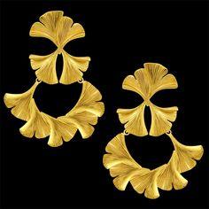 Brinco BILOBA. Disponível em Ouro 18K, Prata e Gold Plated. Alt : 4,7 cm   Larg: 3,6 cm