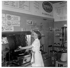 Everyday Life in the Past Working Girls, Old Photographs, Look At Me, Vintage Love, Grease, Album, The Past, Mid Century, Cookers