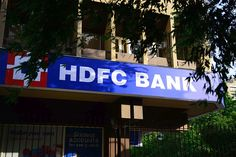 HDFC Bank Leads The Pack, Resumes Hefty Levies On Cash Transactions
