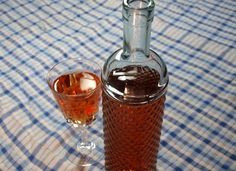 How to Make Heavenly Homemade Fruit WInes (from organicauthority.com)