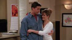 Friends TV Show. - Fushion News Friends Best Moments, Tv: Friends, Serie Friends, Friends Tv Quotes, Friends Scenes, Friends Episodes, Friends Cast, Friends Forever, Phoebe Buffay