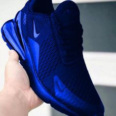 Wonderful shoes and distinctive colors NetHaert Cool Nike Shoes, Nike Shoes Blue, Nike Air Shoes, Cute Sneakers, Shoes Sneakers, Moda Nike, Nike Free Run, Nike Air Force 1, Hype Shoes