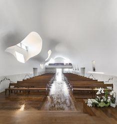 Galeria de Igreja da Várzea / FCC Arquitectura - 21