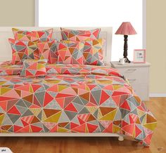 DUVET COVER SET / QUILT COVER -GEOMETRIC - SINGLE | Trade Me Duvet Cover Sizes, Duvet Covers, Single Duvet Cover, Quilt Cover, Household Items, Home And Living, Bedding Sets, Puzzles, Pillow Cases