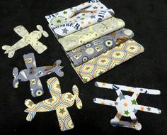 Baby Patterns, Quilt Patterns, Airplane Quilt, I Love Diy, Baby Boy Quilts, Thing 1, Rag Quilt, Quilt Kits, Riley Blake