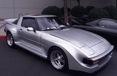 http://www.rx7club.com/attachments/1st-generation-specific-1979-1985-18/82762-post-your-widebody-fb-pics-fb.jpg