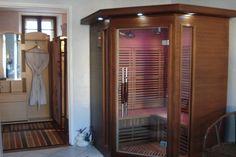 Sauna à infrarouge pour l'élimination des toxines & déchets du corps, tout en renforçant ses défenses immunitaires, la chromothérapie soulage certains maux en stimulant les organes et la luminathérapie favorise le bien-être. Centre de soins esthétiques Isabelle -  SERRES 04 92 67 15 62