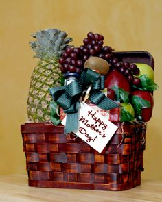 Inexpensive Wedding Gift Basket Ideas : ... your own homemade Mothers Day gift basket. #DIY #gifts #inexpensive