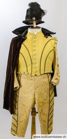 Renaissance Kostüm mit Cape Grösse 54 Renaissance, Rain Jacket, Windbreaker, Jackets, Fashion, Fashion Styles, Pictures, Raincoat, Down Jackets