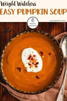 This easy Curried Pumpkin Soup is made with canned pumpkin for ease and is Zero Smart Points per bowl on Weight Watchers Freestyle plan. A fantastic, tasty Zero Point soup recipe! Weight Watchers Pasta, Weight Watchers Vegetarian, Weight Watchers Pumpkin, Weight Watchers Lunches, Weight Watchers Desserts, Pumpkin Soup, Canned Pumpkin, Pumpkin Recipes, Carrot And Lentil Soup