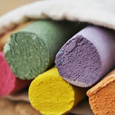 Organic sidewalk chalk for your child to draw the world of his dreams