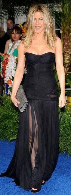 Jennifer Aniston See through Dress Jennifer Aniston Style, Jennifer Ainston, Julia Roberts Style, Red Carpet Gowns, See Through Dress, Jennifer Connelly, Strapless Dress Formal, Celebrity Style, Cool Outfits