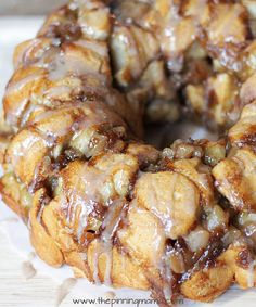 Apple Pie Monkey Bread with cinnamon glaze. This sounds like a great excuse to eat apple pie for breakfast!!