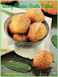 Leftover pumpkin purée and ricotta sitting in your fridge? Make a quick batch of Savory Pumpkin Ricotta Fritters in no time for the perfect fall appetizer! Cheese Pumpkin, Canned Pumpkin, Delicious Recipes, Vegan Recipes, Yummy Food, Flitter Recipe, Ricotta Fritters, Italian Recipes, Italian Desserts