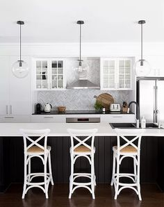 Kitchen Lighting Ideas kitchen is your house's heart. As the integral and central part of a house, you may look for kitchen lighting ideas. Kitchen Island Bench, Kitchen Benches, White Kitchen Cabinets, Kitchen White, Black Handles Kitchen, Kitchen Cupboard Colours, Glass Cabinets, Kitchen Islands, Kitchen Sink