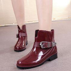 $23.18 (Buy here: https://alitems.com/g/1e8d114494ebda23ff8b16525dc3e8/?i=5&ulp=https%3A%2F%2Fwww.aliexpress.com%2Fitem%2FNew-Fashion-2017-Brand-Superstar-Rain-Boots-Cool-Martin-Non-slip-Thick-Women-Ankle-Boots-Rubber%2F32793763692.html ) New Fashion 2017