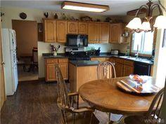 Newly installed floors and counter - 3840 Jarrett Dr Wheatfield, NY, 14120