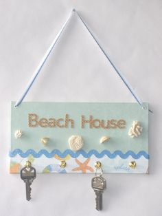 Great beach house decor.