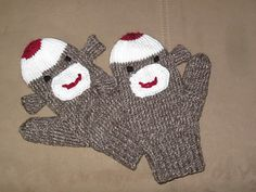 Adult_sock_monkey_mittens_small2
