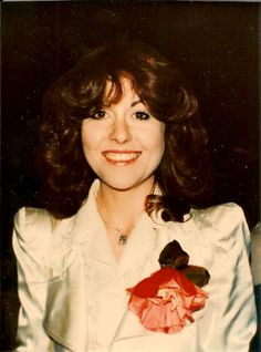 Elisabeth Sladen 1974 New Doctor Who, Classic Doctor Who, Sarah Jane Smith, Jon Pertwee, Doctor Who Companions, Torchwood, Dr Who, Actors & Actresses, Beautiful People