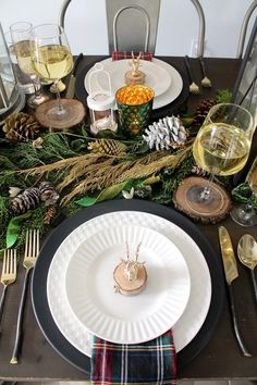 Rustic Glam Christmas Tablescape - Amidst the Chaos
