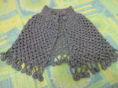 ruana tejida en malla y crochet