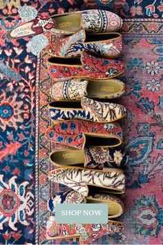 Modest Fashion, Boho Fashion, Fashion Shoes, Cute Shoes, Me Too Shoes, Ethno Style, Estilo Hippie, Things To Buy, Stuff To Buy