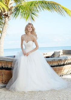 Hazel Wedding Dress (1500)