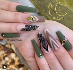 The Best Nail Trends for Cute Fall Manicure Stunning Matte Coffin Shaped Olive Green Fall Nails Design - Nail Designs Coffin Nails Matte, Best Acrylic Nails, Stiletto Nails, Shellac Nails, Diy Nails, Nagellack Design, Nagellack Trends, Fall Manicure, Fall Nails