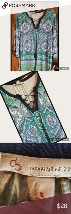 """🆕️🌺COMFY PAISLEY TOP🌺 🌺I LUV THIS TOP SO COMFY, I HAVE ONE ALSO, PAIR WITH SKINNY JEANS OR SHORTS, DRESS UP OR DOWN, ALWAYS CLASSY 🌺  🌺SIZE S NOTE DRESS BARN RUNS MORE LIKE A WOMENS MEDIUM, NOT SMALL LIKE JUNIOR 😉 SO COULD FIT A MEDIUM PERSON TOO. 🌺PARSLEY BLUES 🌺TIE WITH V NECK 🌺3/4 SLEEVES 🌺ARMPIT TO ARMPIT 18"""" 🌺ARMPIT DOWN LENGHT 19"""" 🌺95% RAYON  🌺5% SPANDEX  💛LOVE TO CONSIDER ALL REASONABLE OFFERS.  🚫NO TRADES ESTABLISHED 1962 Tops Blouses"""