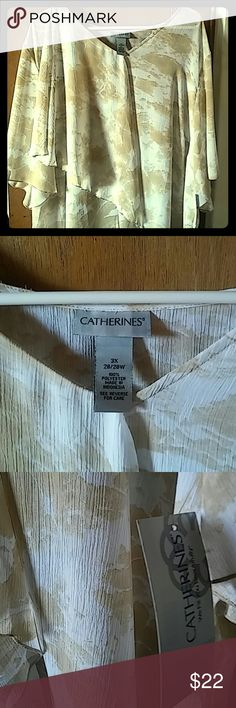 🌺CLOSET CLEAR OUT! NWT plus size blouse Super cute, light and flowy Catherines Tops Blouses