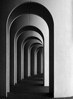 Arches are a traditional elements in architecture design. It is coming back to the trend again in nowadays design thanks to Louis Kahn. Bw Photography, Minimalist Photography, Artistic Photography, Abstract Photography, Street Photography, Landscape Photography, Iphone Photography, Monochrome Photography, Infinity Photography