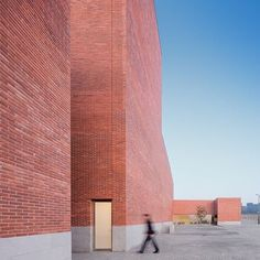 Via promenadearchitecture Auditorium Theatre of Llinars del Valles, Álvaro Siza Vieira + Aresta + G.O.P., Spain