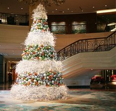 34 MODERN CHRISTMAS TREE DECORATION IDEAS                                                                                                                                                                                 More