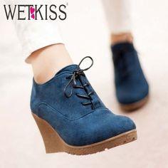 Aliexpress.com  Comprar Wetkiss nuevas cuñas de tacón alto zapatos bombas  de la plataforma para las mujeres del cordón Zapatos Ocasionales con  cordones de ... 1f2377b52566