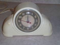 ANTIQUE SESSIONS BAKELITE 1930'S ART DECO MANTLE CLOCK