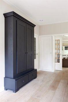 Design domino helder wit tulp keuken laat u inspireren pinterest ontwerp - Eigentijdse designer kasten ...