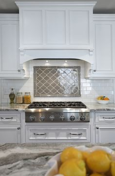 Kitchen backsplash ideas that will brighten and modernize your kitchen. - Kitchen backsplash ideas that will brighten and modernize your kitchen. with cabinets, diy for big - Kitchen Redo, Kitchen Tiles, New Kitchen, Kitchen Cabinets, Dark Cabinets, Kitchen White, Kitchen Stove, Kitchen Counters, Kitchen Tile Designs
