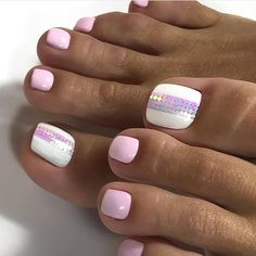 Make an original manicure for Valentine's Day - My Nails Toe Nail Color, Toe Nail Art, Nail Colors, Acrylic Nails, Pretty Toe Nails, Cute Toe Nails, Pretty Pedicures, Hair And Nails, My Nails