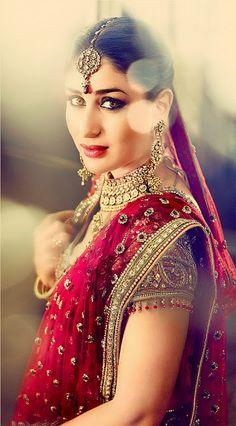 Bollywood, Tollywood & Más: Kareena Gitanjali Parineeta Bridal Tarun Tahiliani dress