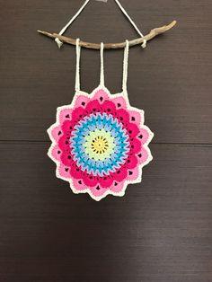 Ideas crochet mandala wall hanging etsy for 2019 Pattern Leaf, Crochet Mandala Pattern, Crochet Patterns, Crochet Home, Free Crochet, Crochet Dreamcatcher, Gypsy Decor, Bohemian Nursery, Crochet Videos