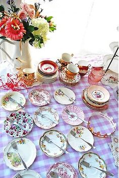 Why have matching cake plates?  The mix match is really pretty!