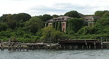North Brother Island, located n New York City's East River between the Bronx and Rikers Island, once the site of a hospital for victims of quarantinable diseases. The island is now uninhabited and designated as a bird sanctuary. Places In New York, Places Around The World, Around The Worlds, Abandoned Asylums, Abandoned Cities, Abandoned Houses, Rikers Island, Desert Places, 400 M