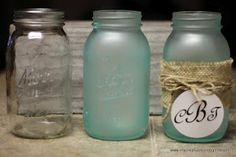 Mason Jar Redo using only 2 ingredients!!  Elmers glue & food coloring. So simple & makes a beautiful blue mason jar {or any color of your choice!} *Would be cute to hold bath salts & such around the clawfoot tub