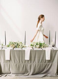 Modern, clean & minimal wedding ideas | Vancouver Wedding Inspiration Christmas Wedding Flowers, Evergreen Wedding, Vancouver Wedding Photographer, Minimal Wedding, Winter Colors, Wedding Inspiration, Wedding Ideas, California Wedding, Minimalism