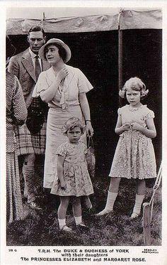 Herzog und Herzogin von York mit seinen Töchtern Elizabeth und Margaret Rose | by Miss Mertens